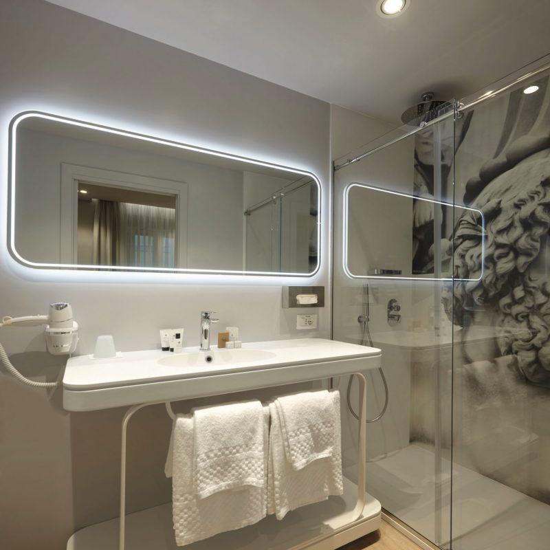 Suite bagno salotto